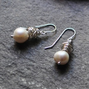 Tangle Pearl Earrings